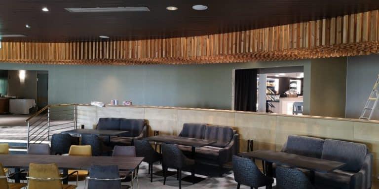 Tämä toteuttamamme toimitilaremontti muutti vanhan yökerhon siistiksi ravintolaksi